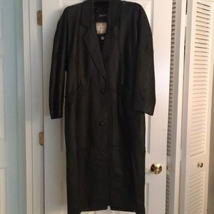 Jackets & Blazers - Vintage long faux leather coat